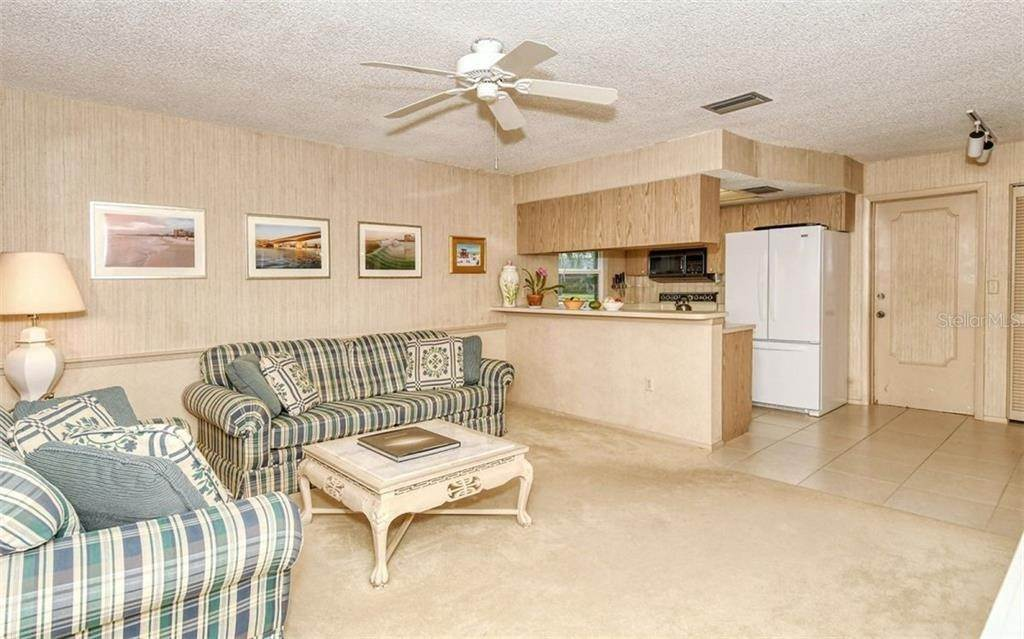 16. Single Family Homes for Sale at 3635 KINGSTON BOULEVARD Sarasota, Florida 34238 United States