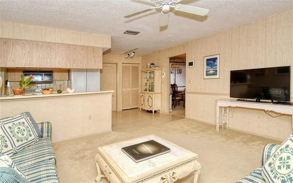 17. Single Family Homes for Sale at 3635 KINGSTON BOULEVARD Sarasota, Florida 34238 United States