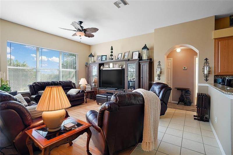10. Single Family Homes for Sale at 3554 TROPICAL SEAS LOOP Tavares, Florida 32778 United States