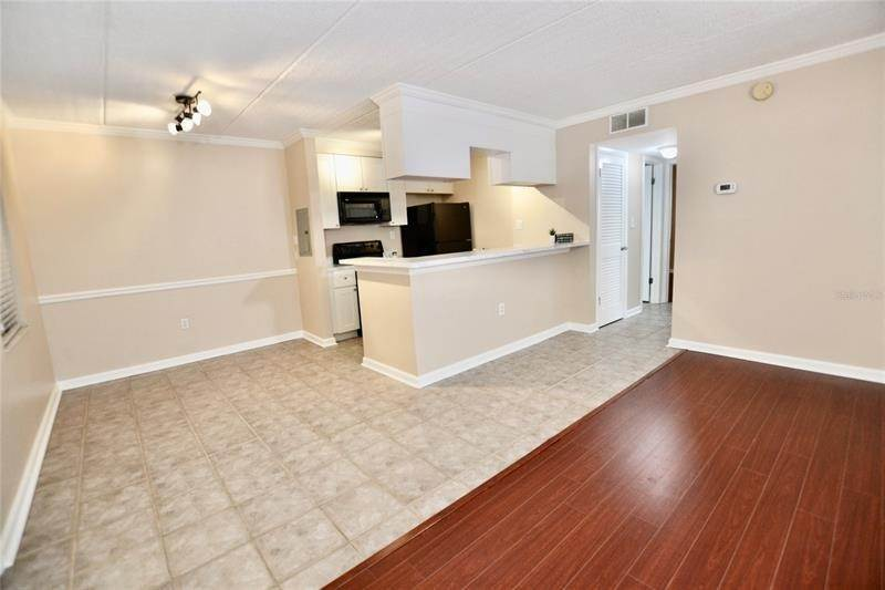 13. Condominiums for Sale at 106 ALAMEDA COURT 137 Tampa, Florida 33609 United States