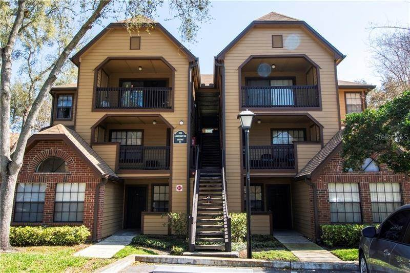 Condominiums for Sale at 325 LAKEPOINTE DRIVE 303 Altamonte Springs, Florida 32701 United States