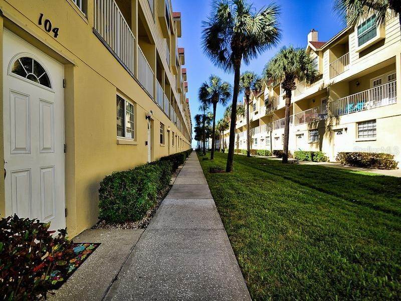 townhouses for Sale at 17960 GULF BOULEVARD 104 Redington Shores, Florida 33708 United States