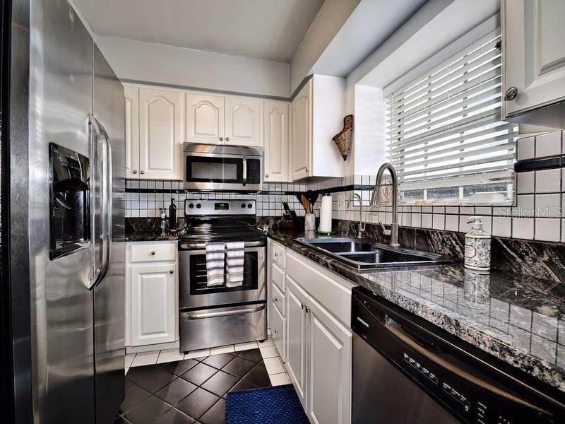 14. townhouses for Sale at 17960 GULF BOULEVARD 104 Redington Shores, Florida 33708 United States