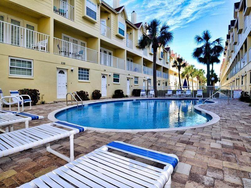 8. townhouses for Sale at 17960 GULF BOULEVARD 104 Redington Shores, Florida 33708 United States