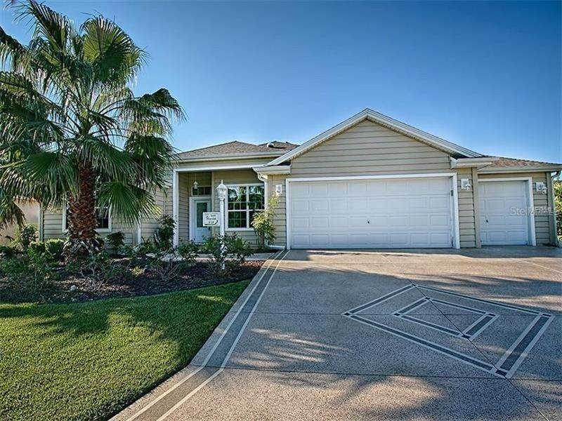 Single Family Homes for Sale at 918 DRIFTWOOD PLACE The Villages, Florida 32162 United States