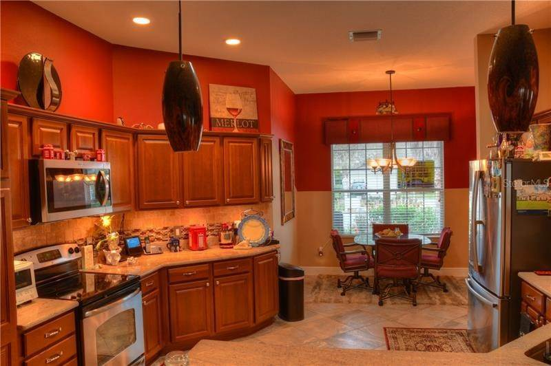 6. Single Family Homes for Sale at 918 DRIFTWOOD PLACE The Villages, Florida 32162 United States