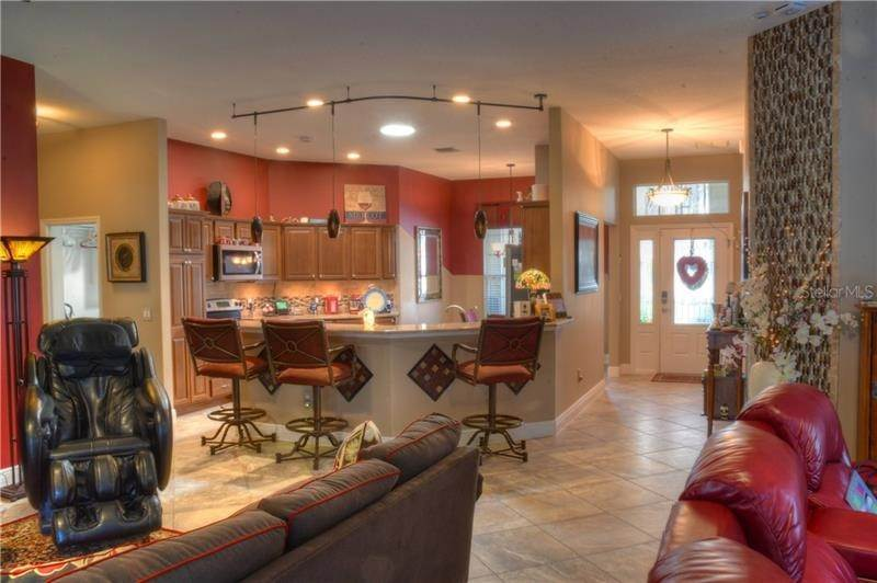 7. Single Family Homes for Sale at 918 DRIFTWOOD PLACE The Villages, Florida 32162 United States