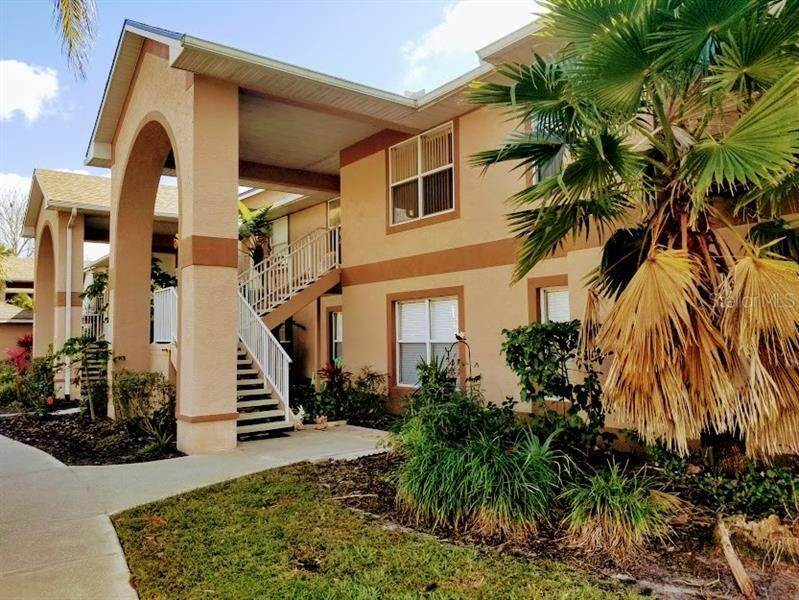 Condominiums for Sale at 2670 EMERALD LAKE COURT 2670 Kissimmee, Florida 34744 United States