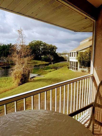 20. Condominiums for Sale at 2670 EMERALD LAKE COURT 2670 Kissimmee, Florida 34744 United States
