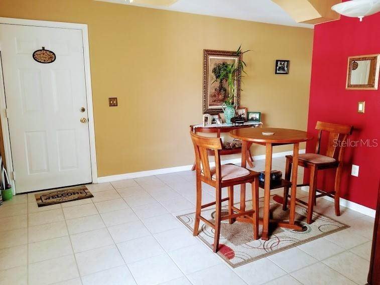 4. Condominiums for Sale at 2670 EMERALD LAKE COURT 2670 Kissimmee, Florida 34744 United States