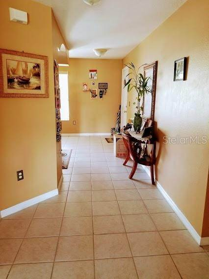 5. Condominiums for Sale at 2670 EMERALD LAKE COURT 2670 Kissimmee, Florida 34744 United States