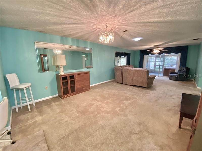 3. Single Family Homes for Sale at 1712 AZALEA COURT B Oldsmar, Florida 34677 United States