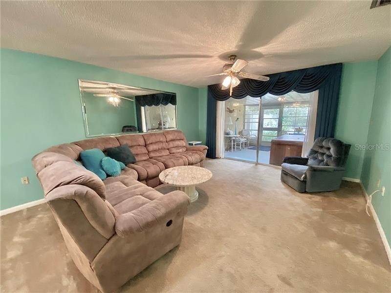 4. Single Family Homes for Sale at 1712 AZALEA COURT B Oldsmar, Florida 34677 United States
