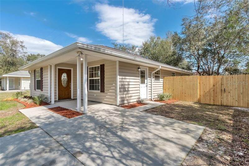 2. Single Family Homes for Sale at 819 BUFORD AVENUE Orange City, Florida 32763 United States