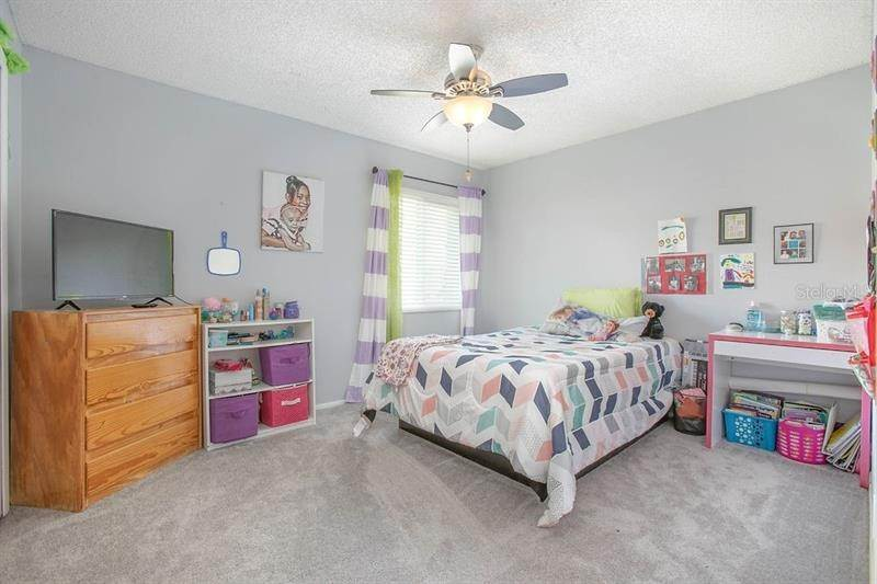 19. Single Family Homes for Sale at 2989 COTTAGEVILLE STREET Deltona, Florida 32738 United States