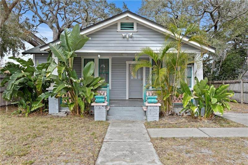 Single Family Homes en 456 WOOD STREET Dunedin, Florida 34698 Estados Unidos