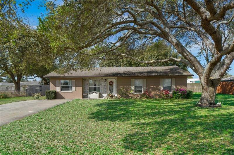 Single Family Homes for Sale at 13215 GRAND TERRACE DRIVE Grand Island, Florida 32735 United States