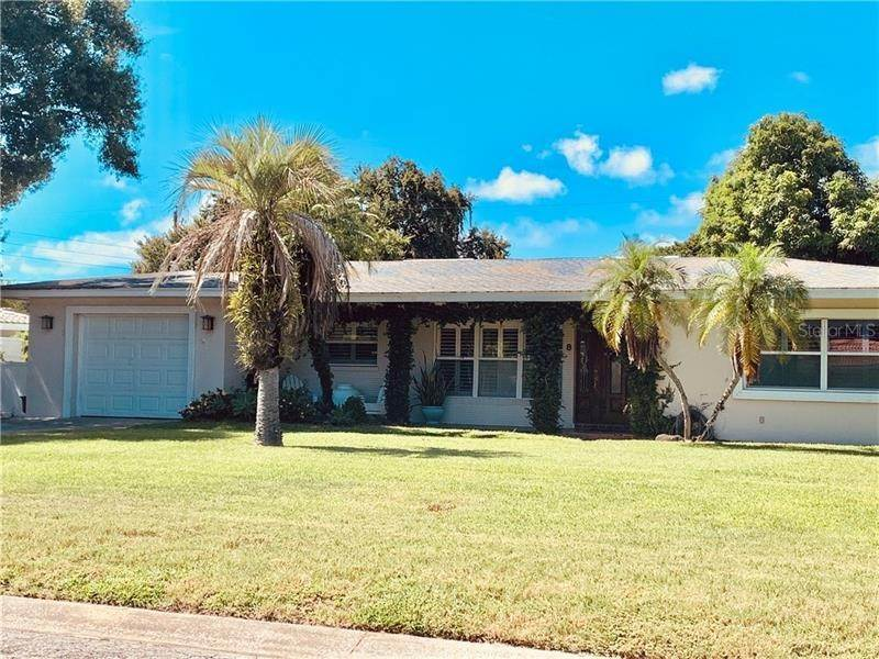 Single Family Homes for Sale at 8 SOUTHWIND DRIVE Belleair Bluffs, Florida 33770 United States