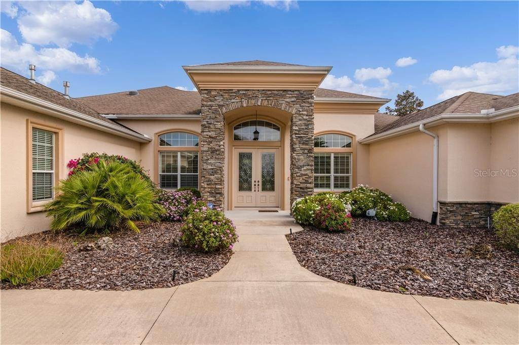 Single Family Homes for Sale at 2347 CLEARWATER RUN The Villages, Florida 32162 United States