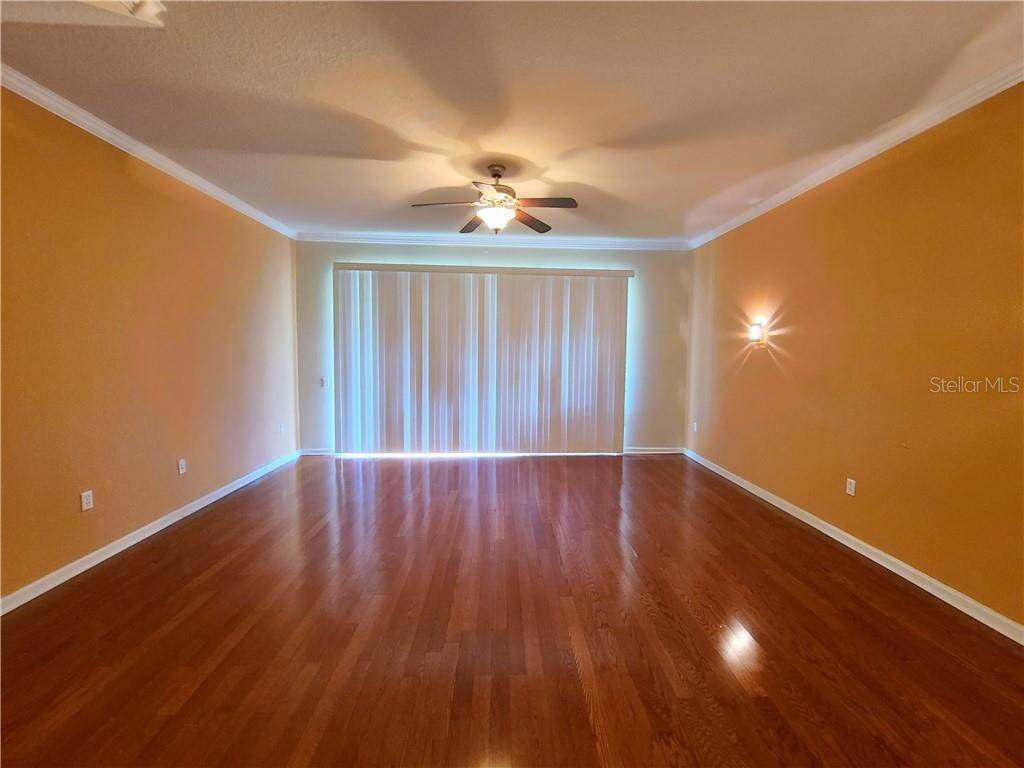 14. townhouses for Sale at 26533 CASTLEVIEW WAY Wesley Chapel, Florida 33544 United States