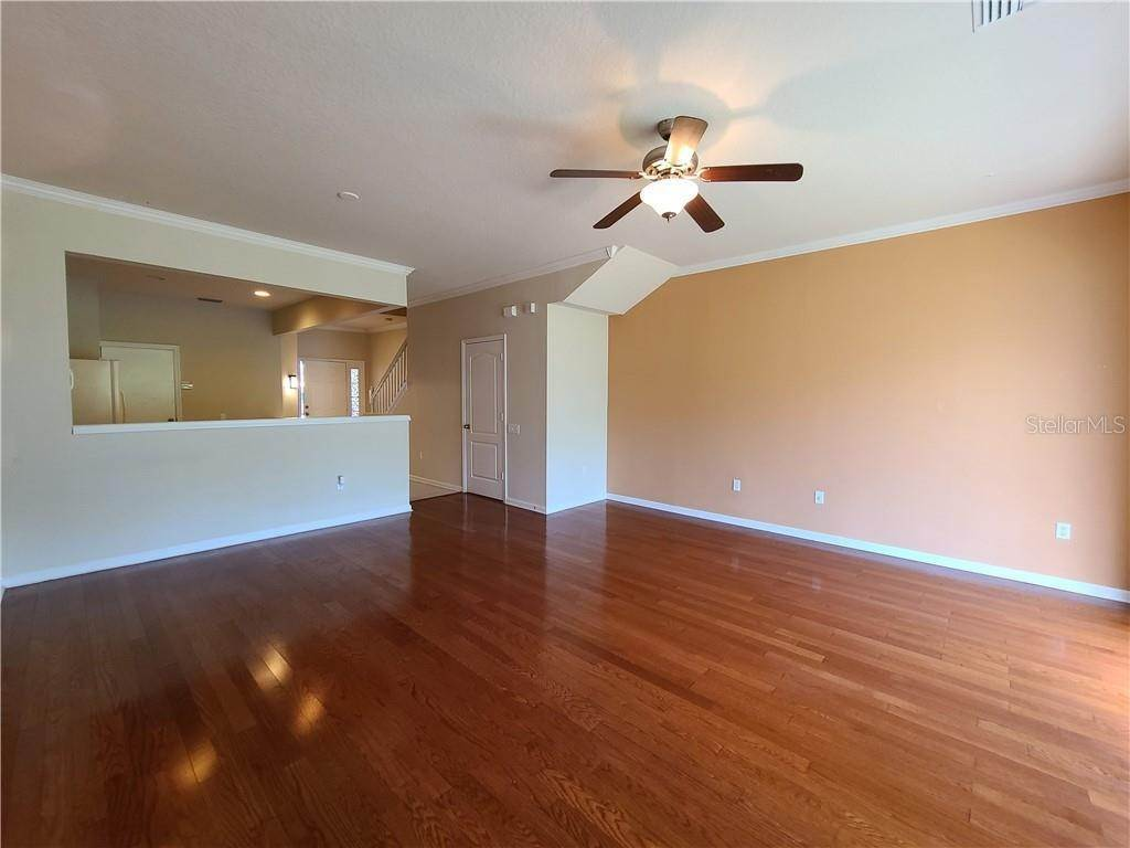 15. townhouses for Sale at 26533 CASTLEVIEW WAY Wesley Chapel, Florida 33544 United States