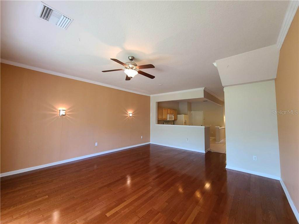 16. townhouses for Sale at 26533 CASTLEVIEW WAY Wesley Chapel, Florida 33544 United States