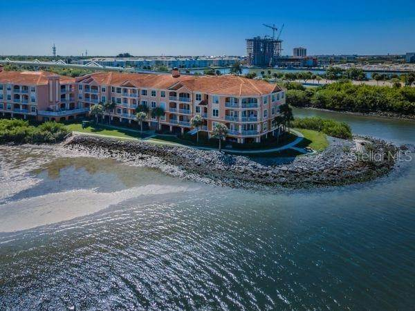 Condominiums for Sale at 5000 CULBREATH KEY WAY 8214 Tampa, Florida 33611 United States