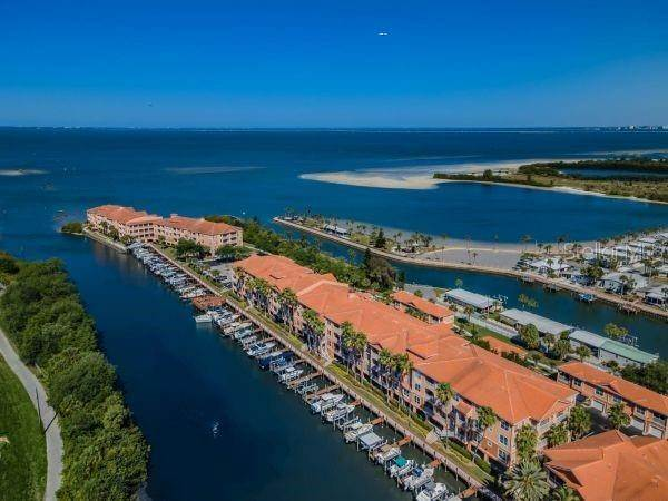 4. Condominiums for Sale at 5000 CULBREATH KEY WAY 8214 Tampa, Florida 33611 United States