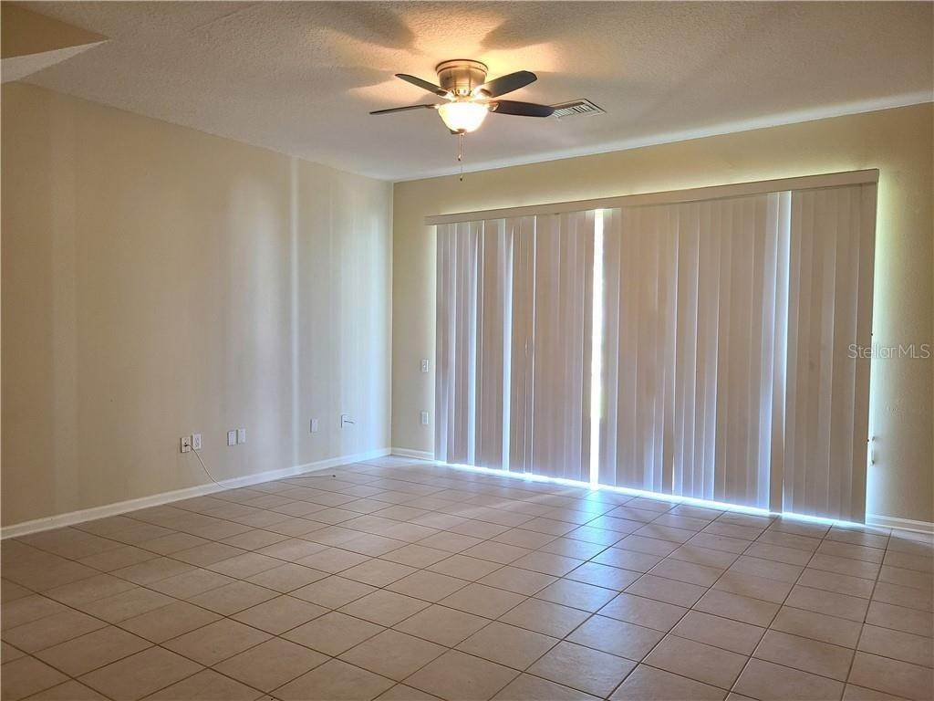 11. townhouses for Sale at 26622 CASTLEVIEW WAY Wesley Chapel, Florida 33544 United States