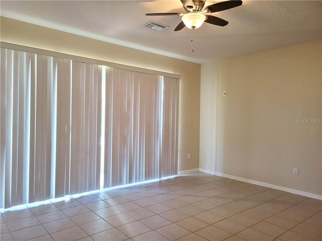 12. townhouses for Sale at 26622 CASTLEVIEW WAY Wesley Chapel, Florida 33544 United States