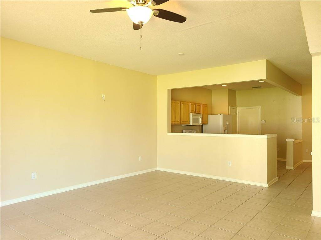 13. townhouses for Sale at 26622 CASTLEVIEW WAY Wesley Chapel, Florida 33544 United States