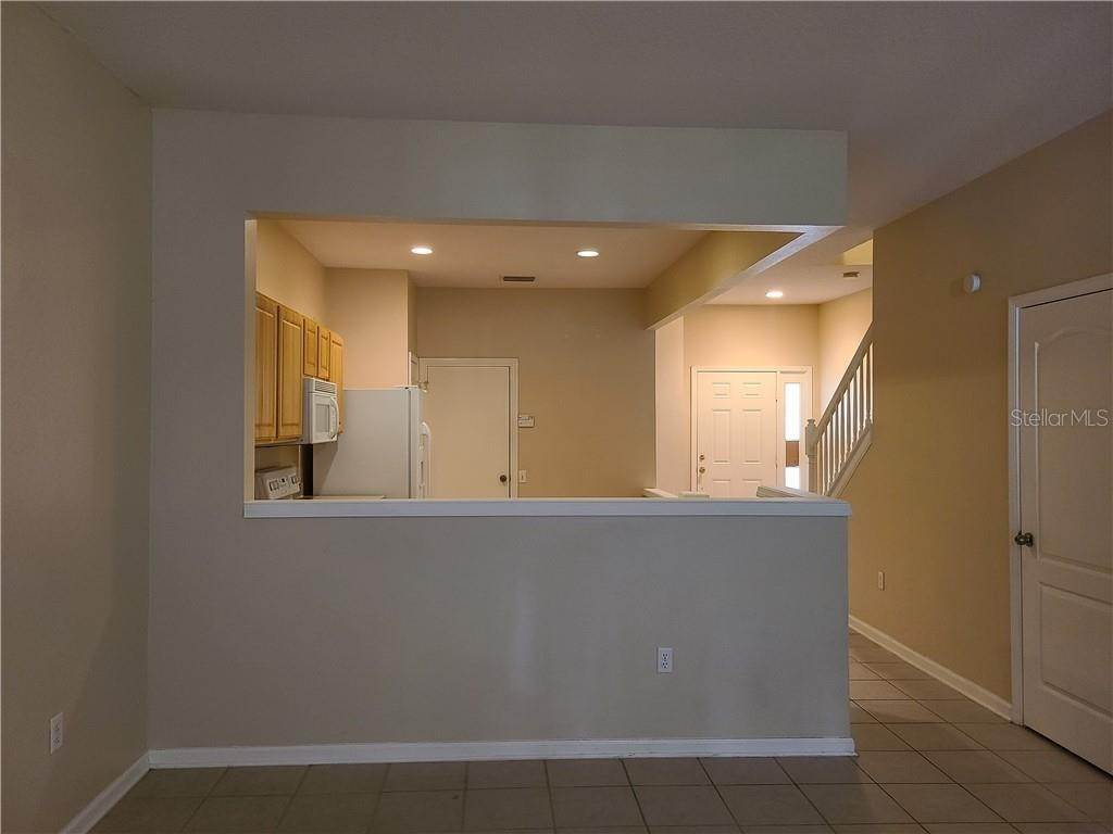 16. townhouses for Sale at 26622 CASTLEVIEW WAY Wesley Chapel, Florida 33544 United States