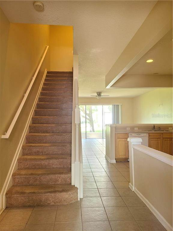 17. townhouses for Sale at 26622 CASTLEVIEW WAY Wesley Chapel, Florida 33544 United States