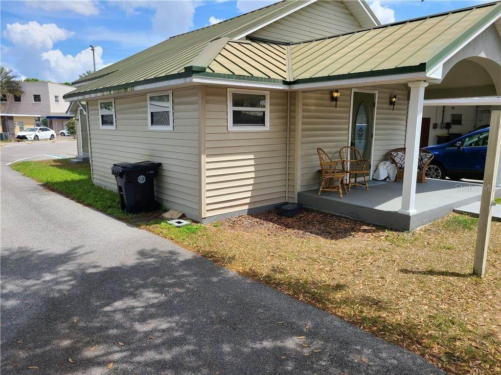 2. Commercial for Sale at 211 HOWARD STREET Auburndale, Florida 33823 United States