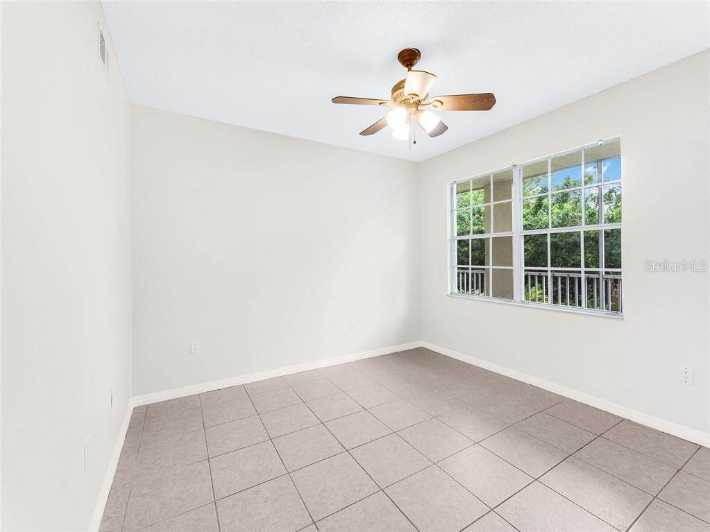 17. Condominiums for Sale at 4990 BARALDI CIRCLE 21-101 Sarasota, Florida 34235 United States