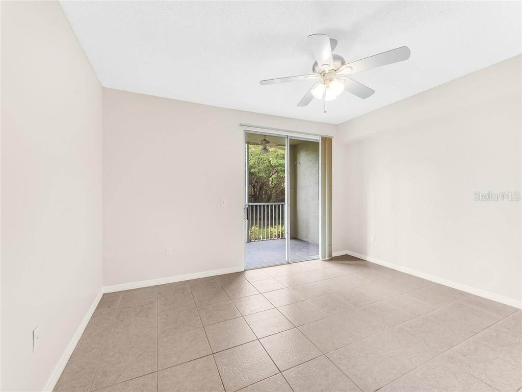 20. Condominiums for Sale at 4990 BARALDI CIRCLE 21-101 Sarasota, Florida 34235 United States