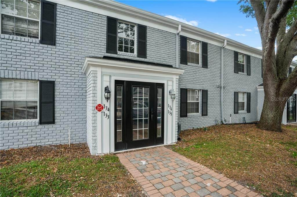 3. Condominiums for Sale at 136 LEWFIELD CIR 136 Winter Park, Florida 32792 United States