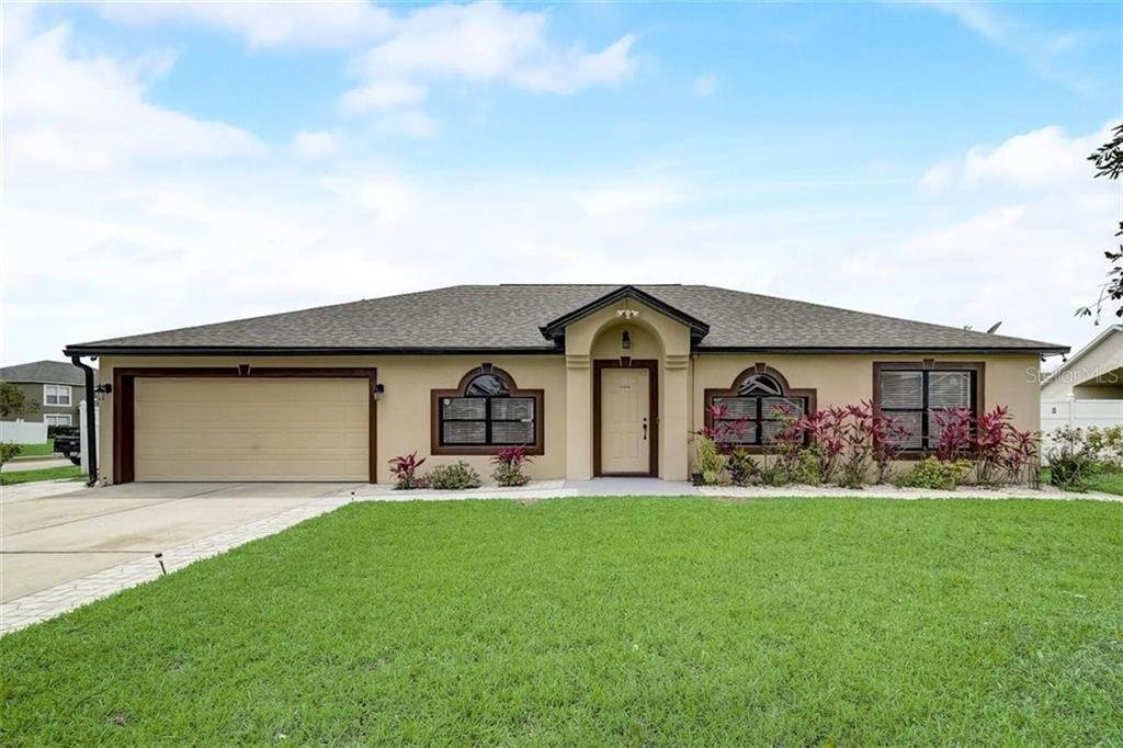 Single Family Homes for Sale at 1011 ROYAL MARQUIS CIRCLE Ocoee, Florida 34761 United States