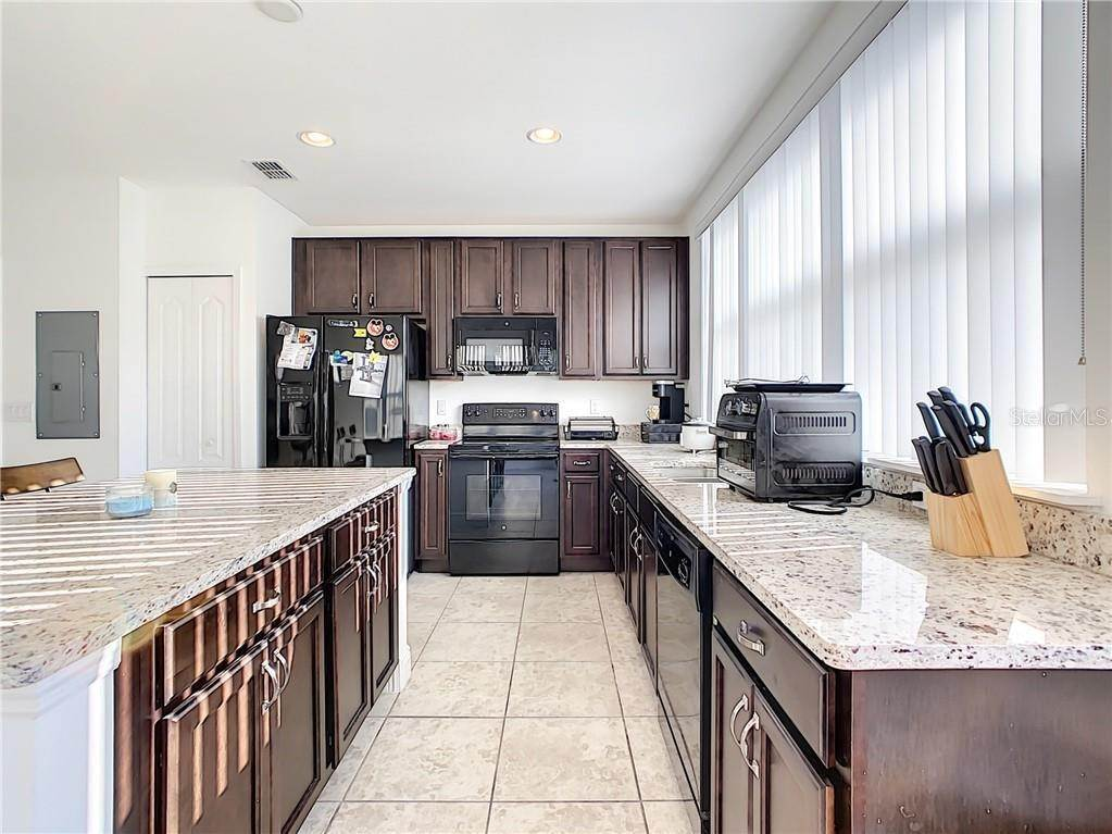 13. townhouses for Sale at 3127 VIA OTERO DRIVE Kissimmee, Florida 34744 United States