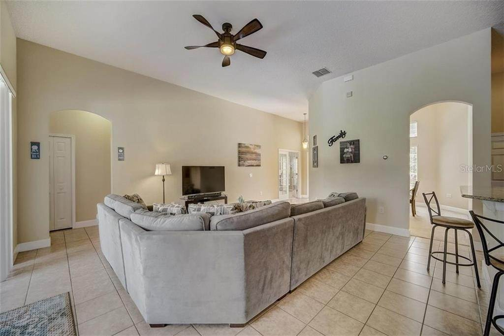 14. Single Family Homes for Sale at 3116 ROLLING HILLS LANE Apopka, Florida 32712 United States