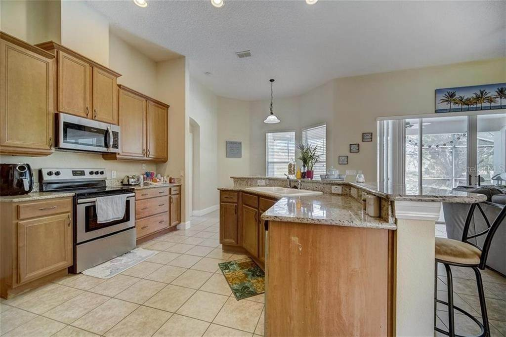 20. Single Family Homes for Sale at 3116 ROLLING HILLS LANE Apopka, Florida 32712 United States
