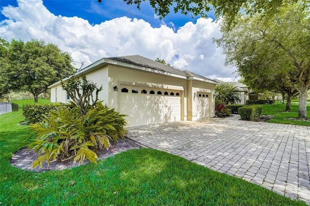 7. Single Family Homes for Sale at 3116 ROLLING HILLS LANE Apopka, Florida 32712 United States