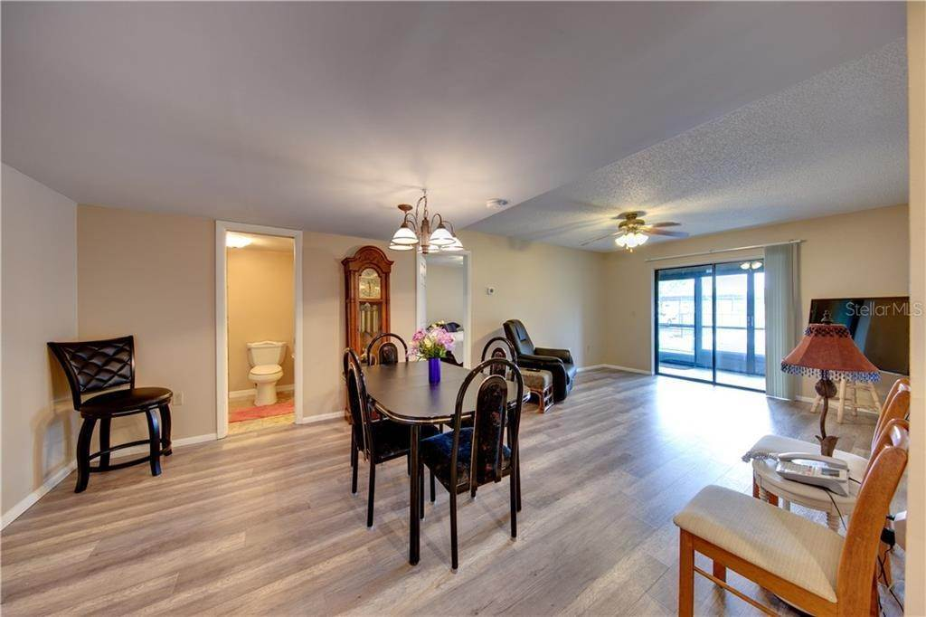 7. Condominiums for Sale at 503 ALBEE FARM ROAD B-1 Venice, Florida 34285 United States