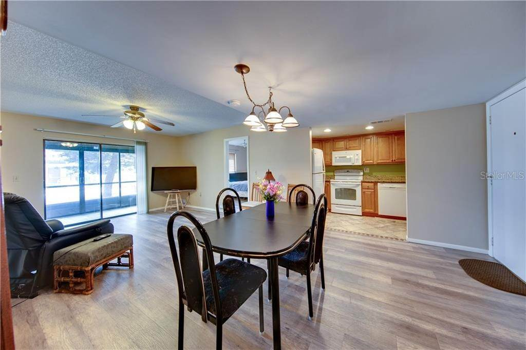 9. Condominiums for Sale at 503 ALBEE FARM ROAD B-1 Venice, Florida 34285 United States