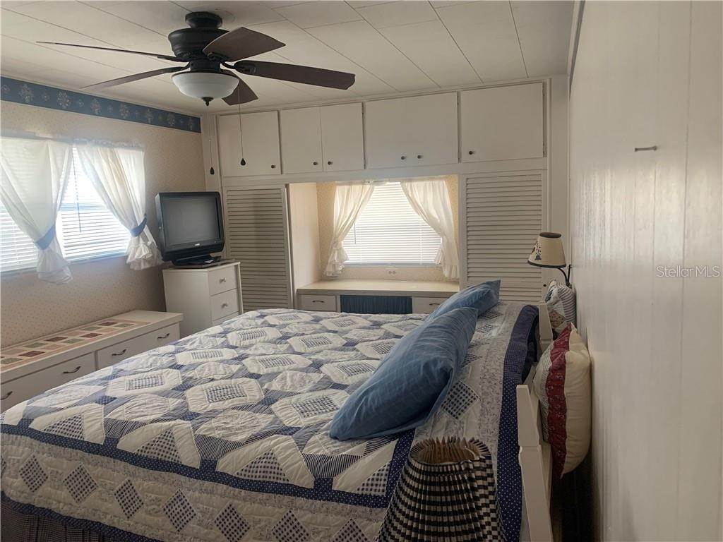 14. Manufactured Home for Sale at 132 PARK BOULEVARD S Venice, Florida 34285 United States