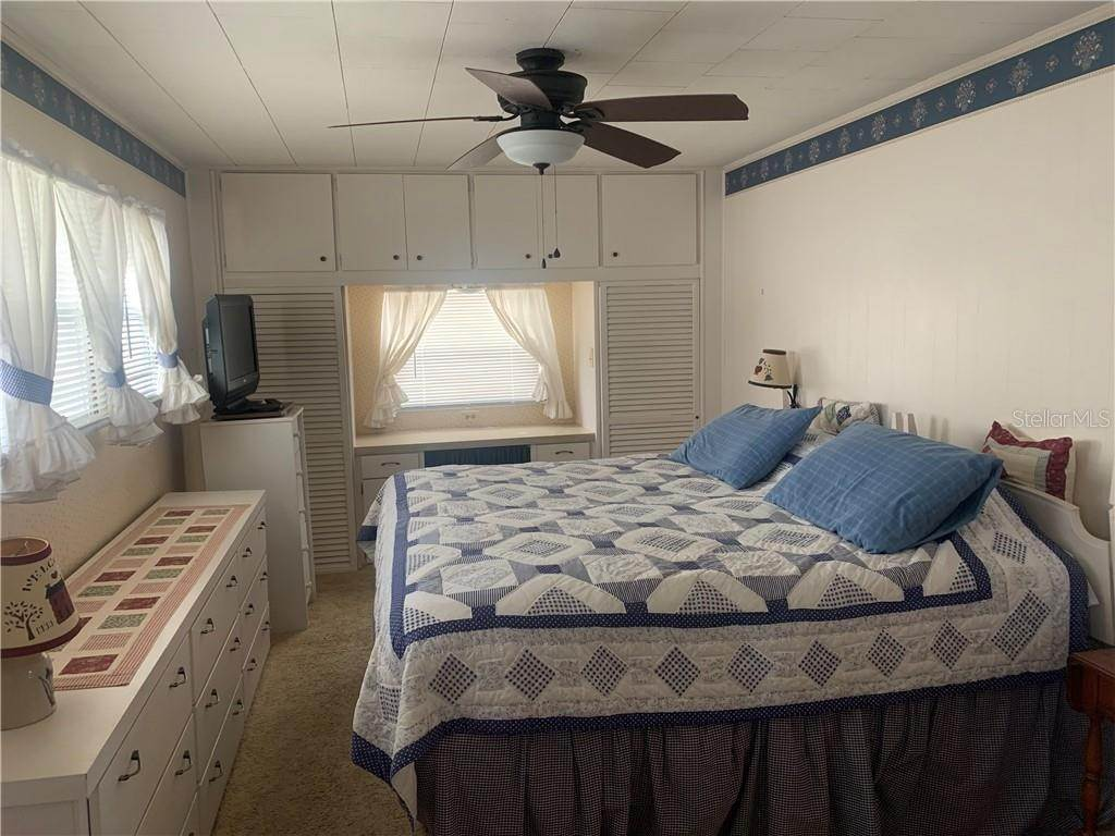 16. Manufactured Home for Sale at 132 PARK BOULEVARD S Venice, Florida 34285 United States
