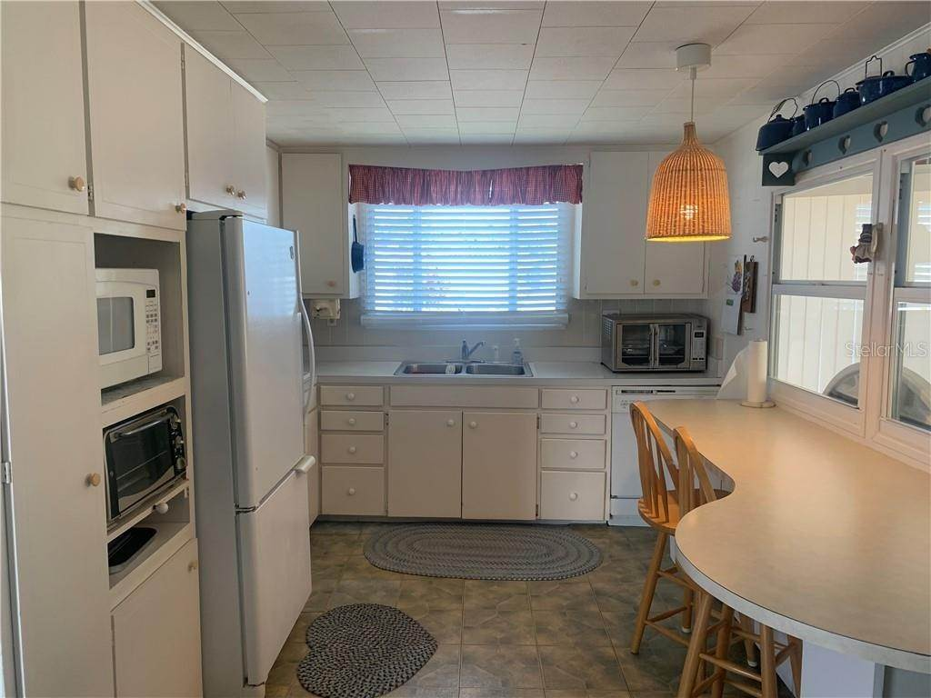 6. Manufactured Home for Sale at 132 PARK BOULEVARD S Venice, Florida 34285 United States