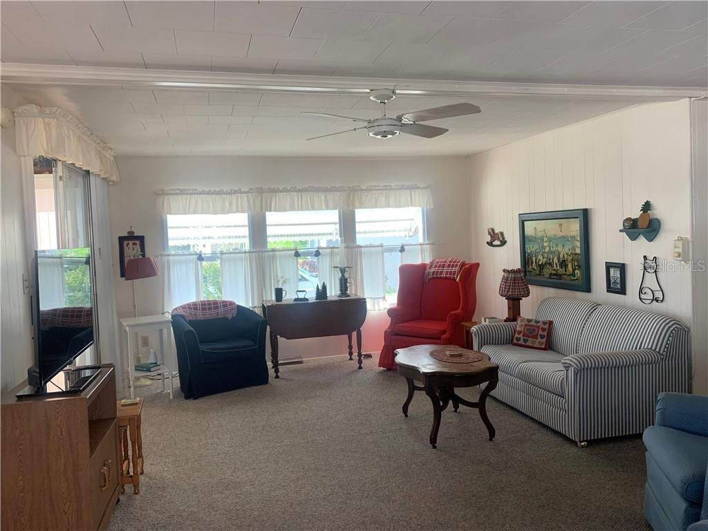 9. Manufactured Home for Sale at 132 PARK BOULEVARD S Venice, Florida 34285 United States
