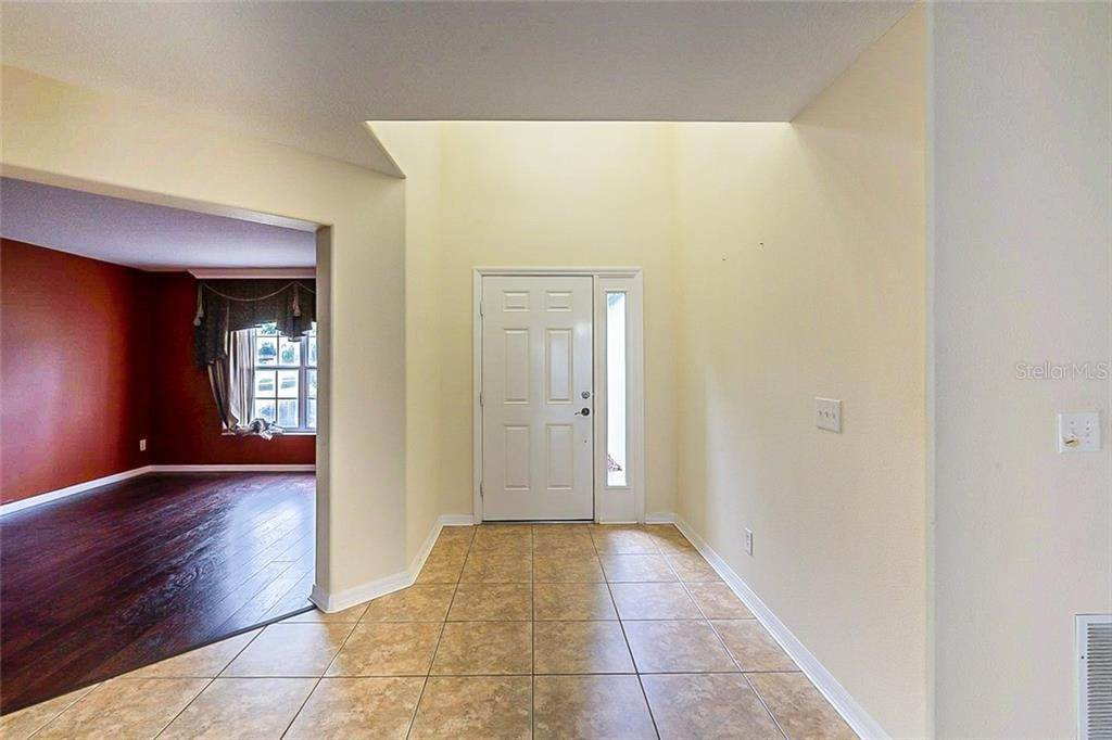 11. Single Family Homes for Sale at 949 BURLAND CIRCLE Winter Garden, Florida 34787 United States