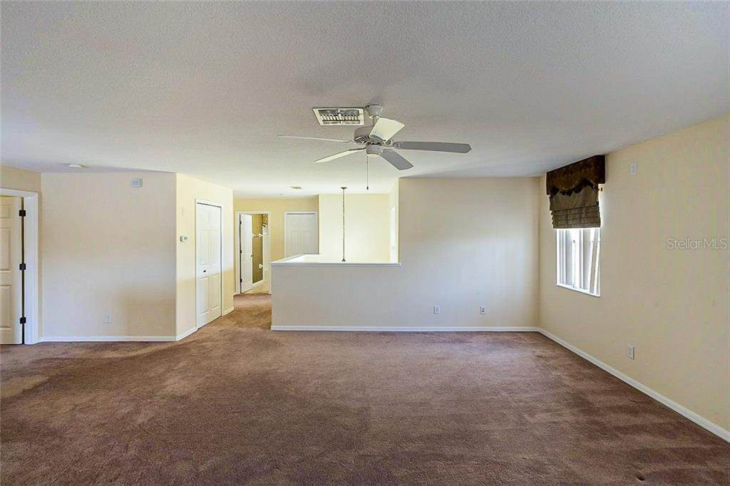 16. Single Family Homes for Sale at 949 BURLAND CIRCLE Winter Garden, Florida 34787 United States